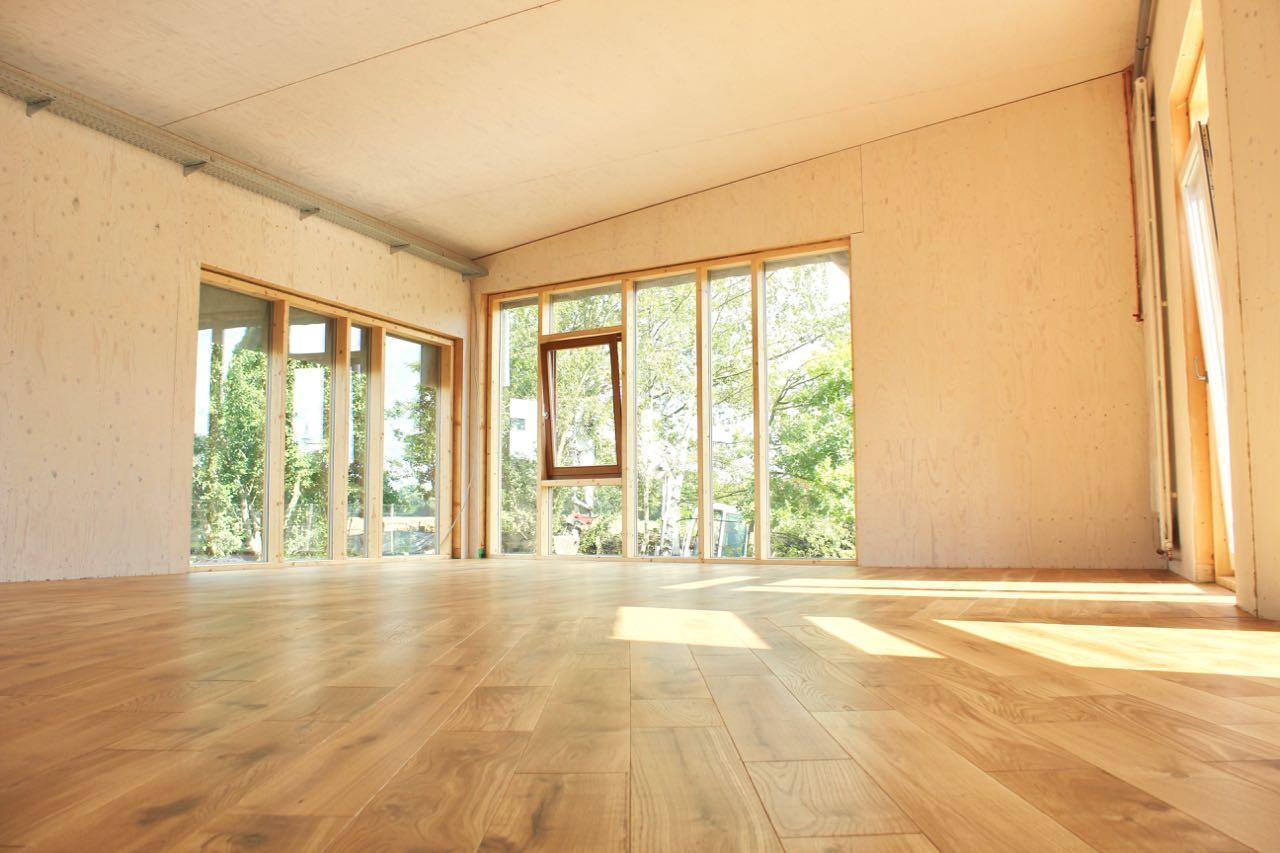 Flügel-Saal mit Dielenboden